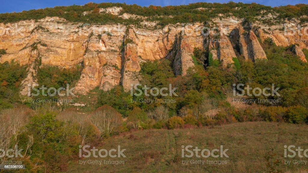 Les falaises du Bugey en automne foto stock royalty-free