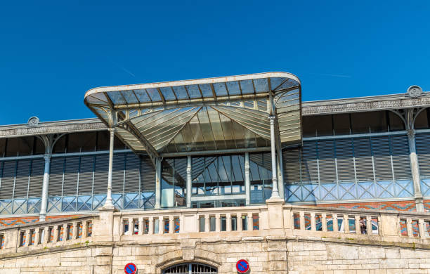 Les Halles marché à Angouleme, France - Photo