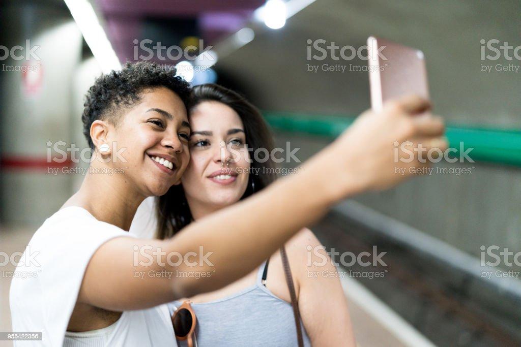 adolescent noir et blanc lesbiennes gay coqs pics