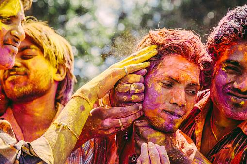 Let me color your face!