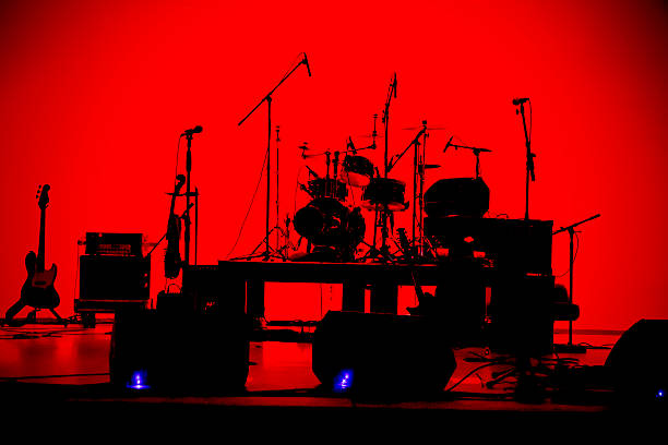 Let the band play silhouette Musical instruments waiting for musicians keyboard player stock pictures, royalty-free photos & images