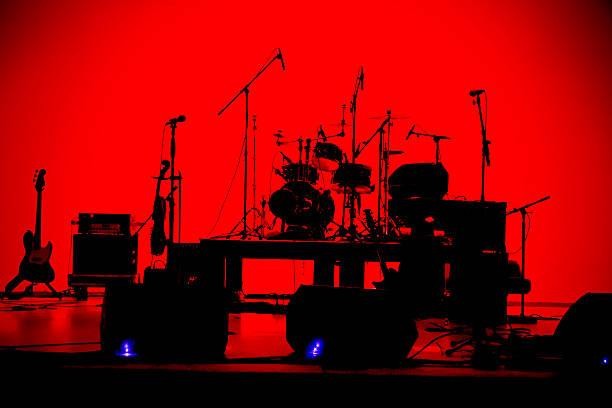 lassen sie das band spielen silhouette - schlagzeuge stock-fotos und bilder