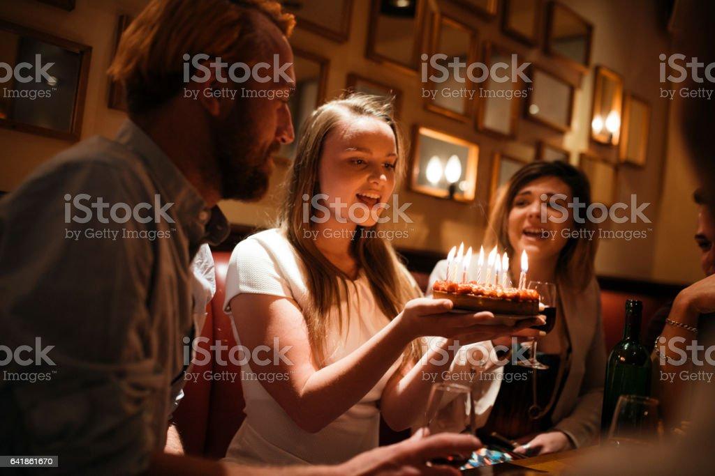 Nous allons célébrer mon anniversaire! - Photo