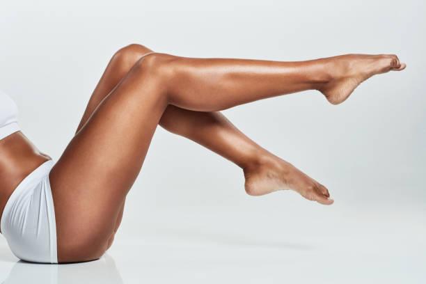 hadi uzun bacaklı olsun - i̇nsan vücudu stok fotoğraflar ve resimler