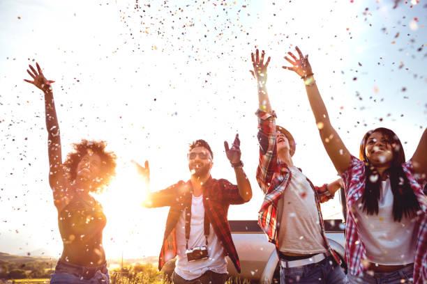 permita que el partido. - fiestas y celebraciones fotografías e imágenes de stock