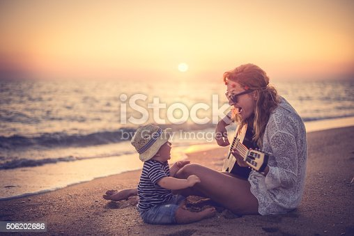 656711080 istock photo Let's sing together 506202686