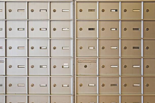 buchstabe box - briefhalter stock-fotos und bilder