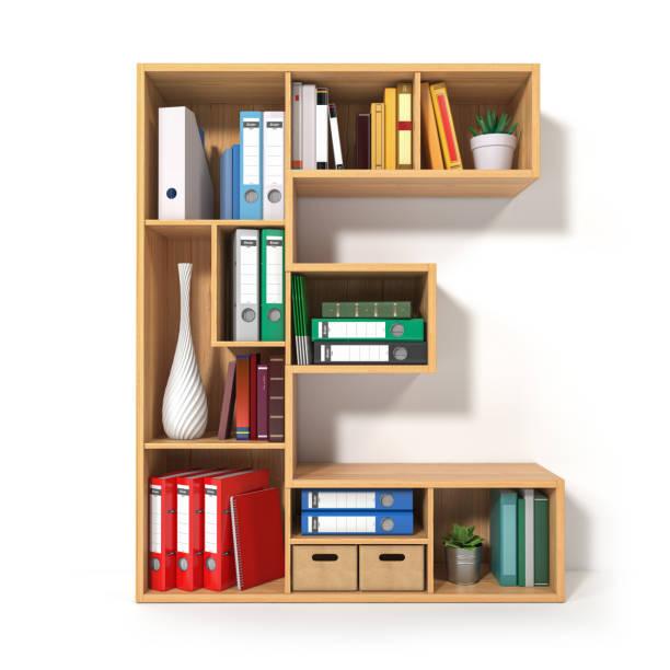 letter e in de vorm van planken met bestandsmap, bindmiddelen en boeken geïsoleerd op wit. archivering, stapels documenten op kantoor of bibliotheek. - e learning stockfoto's en -beelden