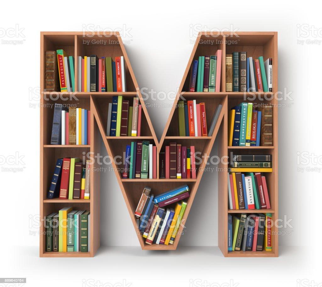 Buchstabe M in Form von Regale mit Büchern, die isoliert auf weiss. – Foto