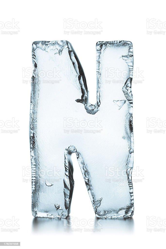 Buchstabe N gefrorene ice block alphabet – Foto