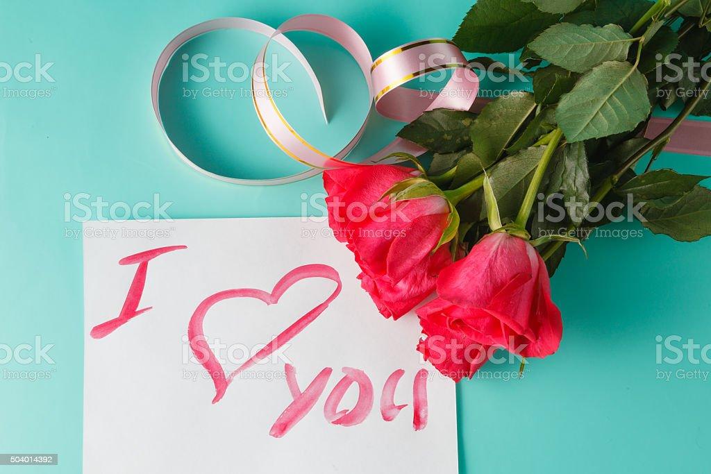 Fotografia De Carta De Amor Nota Con Rosas Rojas Con Corazones Y Mas