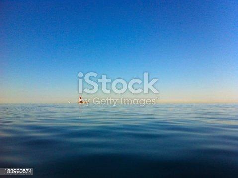 istock Leuchtturm Kiel ruhige See Sonnenschein lighthouse ocean sunshine 183960574