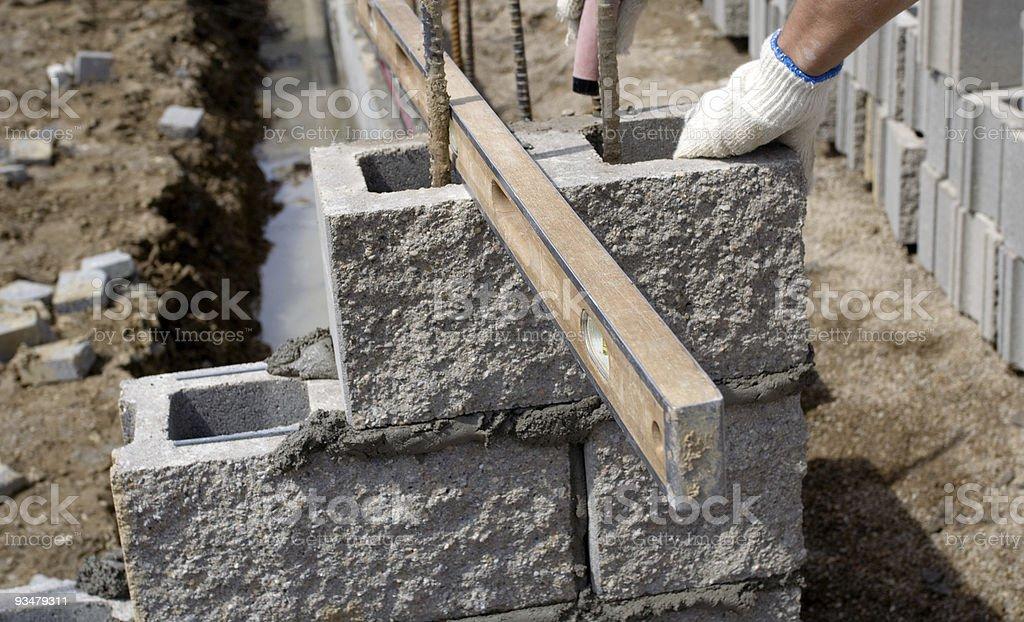 레벨링 신더 블럭 벽 - 로열티 프리 건물 외관 스톡 사진