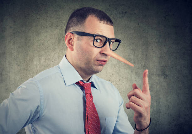 A liar businessman and financial advisor A liar business man and financial advisor dishonesty stock pictures, royalty-free photos & images