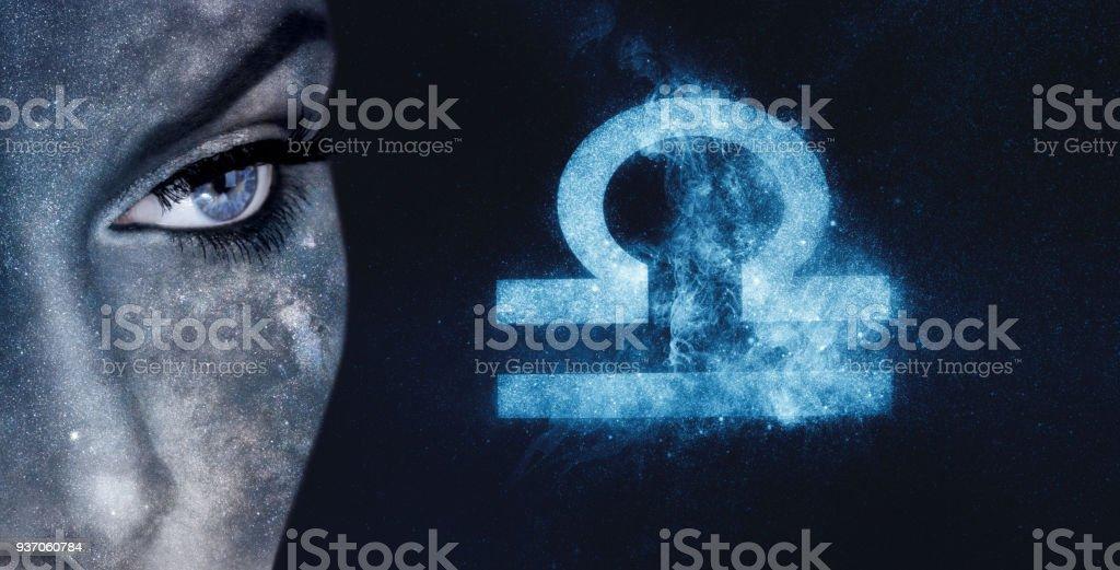 Sternzeichen Waage. Astrologie Frauen Nacht Himmelshintergrund – Foto