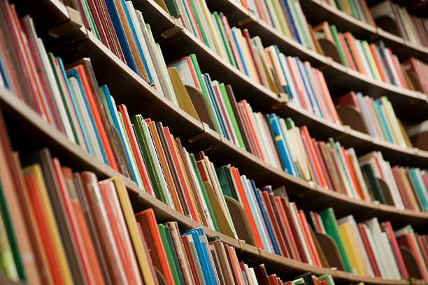 Bücherregal Bibliothek mit Büchern – Foto