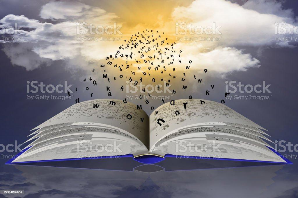 Libro Parole Lettere Cielo nuvole stock photo