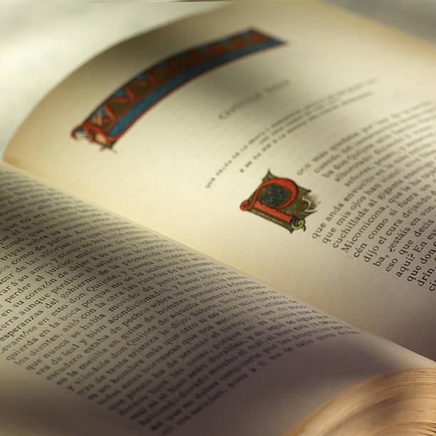 Libro Libro antiguo. libro stock pictures, royalty-free photos & images