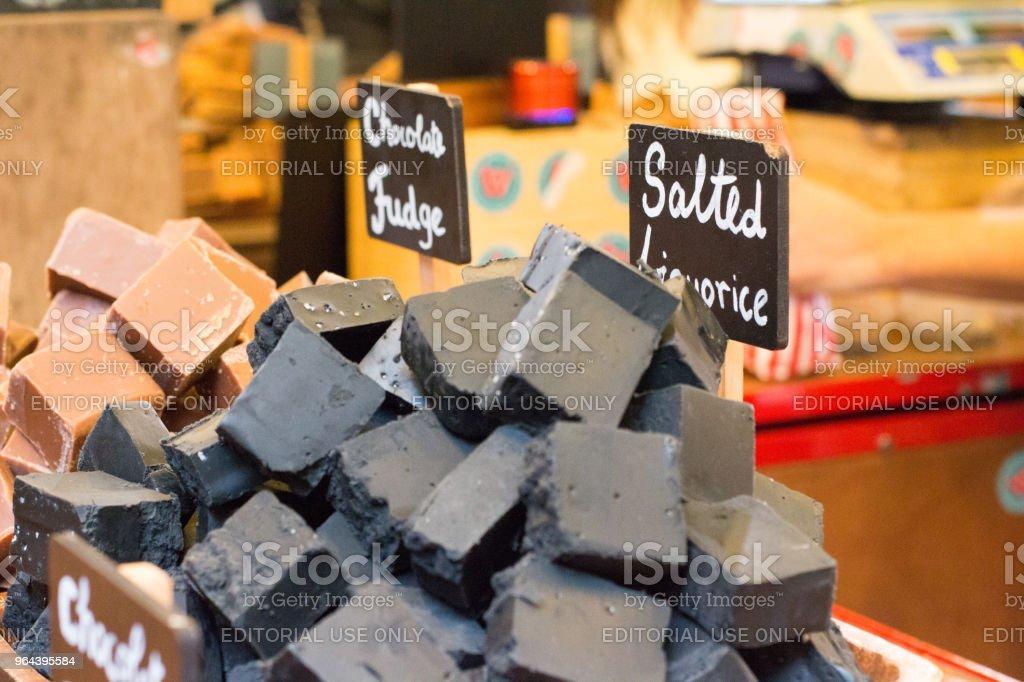 Fudge de alcaçuz no Borough Market, Londres - Foto de stock de Alcaçuz royalty-free