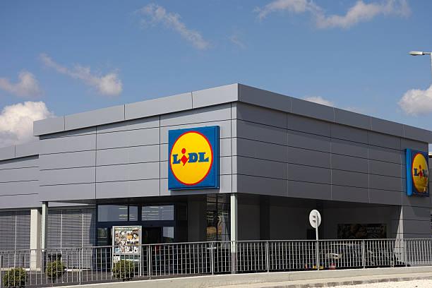 lidl supermercato - lidl foto e immagini stock