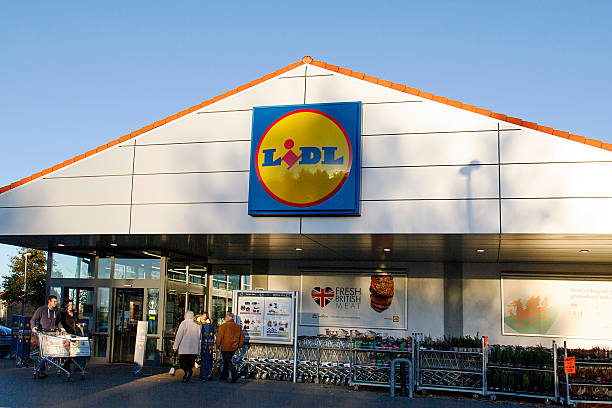 lidl - supermarket - lidl foto e immagini stock