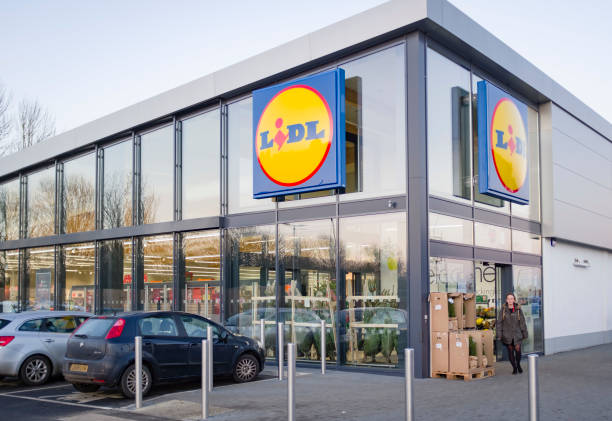 Lidl supermarket store exterior UK stock photo