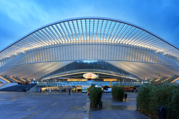 Liege Guillemins railway station Beautiful view of the modern architecture railway station Liege-Guillemins with steel shapes and lines in the blue hour in Belgium lulik stock pictures, royalty-free photos & images