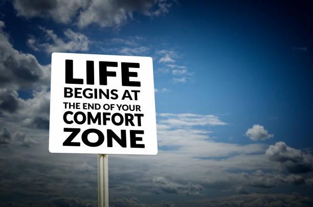 das leben beginnt am ende deine komfort-zone  - gründe zitate stock-fotos und bilder