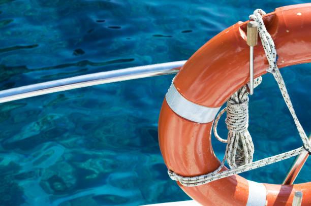 livbojen bifogas kryssningsfartyget - livbåt bildbanksfoton och bilder