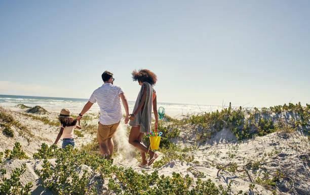 가족으로 쓰일 때 삶이 더 의미 있게 - 가족 여행 및 휴가 뉴스 사진 이미지