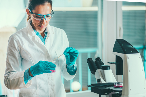 istock Life science researcher in laboratory 840466196