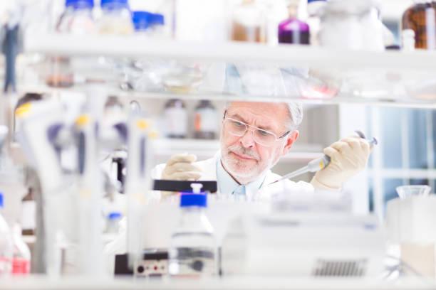 Life Scientist forscht im Labor. – Foto