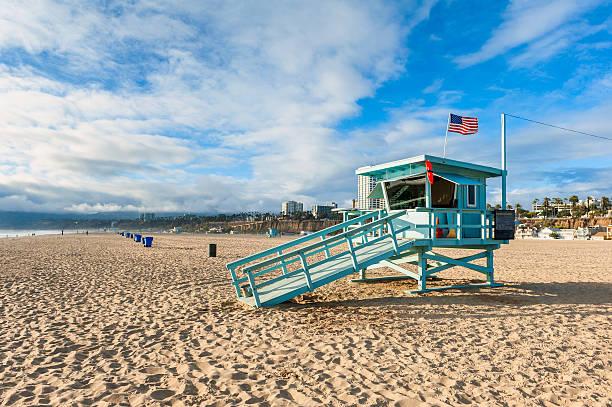 lifeguard hut on santa monica beach california - badvaktshytt bildbanksfoton och bilder
