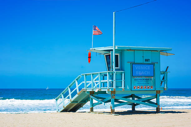 lifeguard tower at venice beach, los angeles, california - badvaktshytt bildbanksfoton och bilder