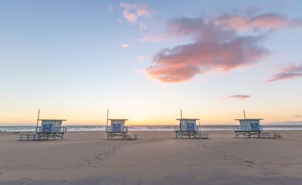 lifeguard towers-southern california beach - numero 51 fotografías e imágenes de stock