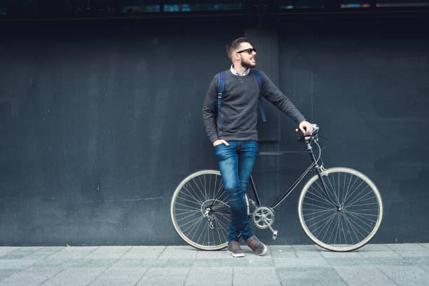 lifestyle and transportation - hipster persona foto e immagini stock