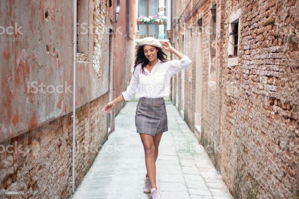 Lifestyle Mode, Hintergasse, Venedig, Italien – Foto
