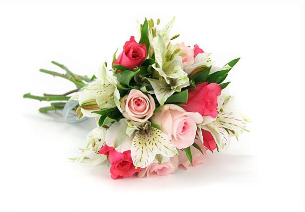helles und dunkles rosa rose bouquet isoliert auf weiß. - hochzeitsblumensträuße stock-fotos und bilder
