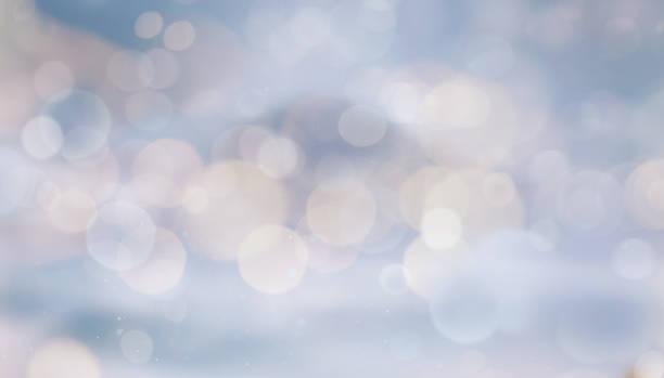 bleu clair - éclairage public photos et images de collection
