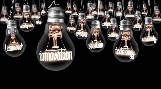 glühbirnen-konzept - innovation stock-fotos und bilder