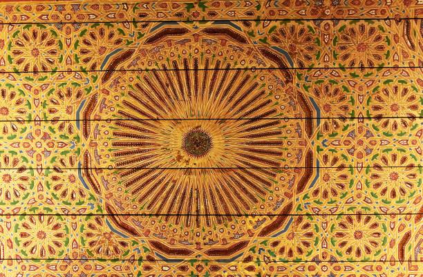 hellen goldenen hintergrund mit orientalischen ornamenten - damast wand stock-fotos und bilder