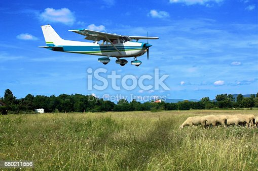 istock Light school plane on final 680211556