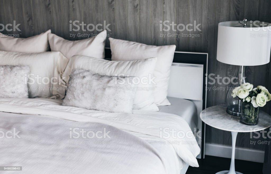 Leichte Weiche Kissen Auf Schönes Bett Gemütliches Schlafzimmer Mit