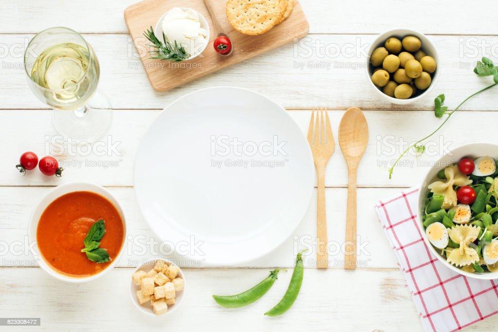 Leichtes Sommer-Abendessen / Abendbrot Konzept. – Foto
