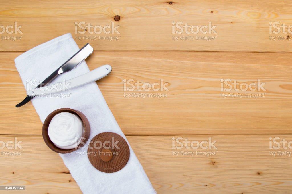 Hellen Holz Hintergrund Weißes Handtuch Drauf Liegt Rasierschaum Und