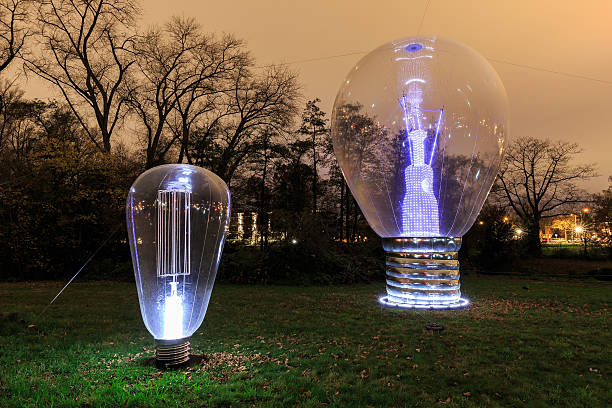 glow lightbulb - eindhoven stockfoto's en -beelden