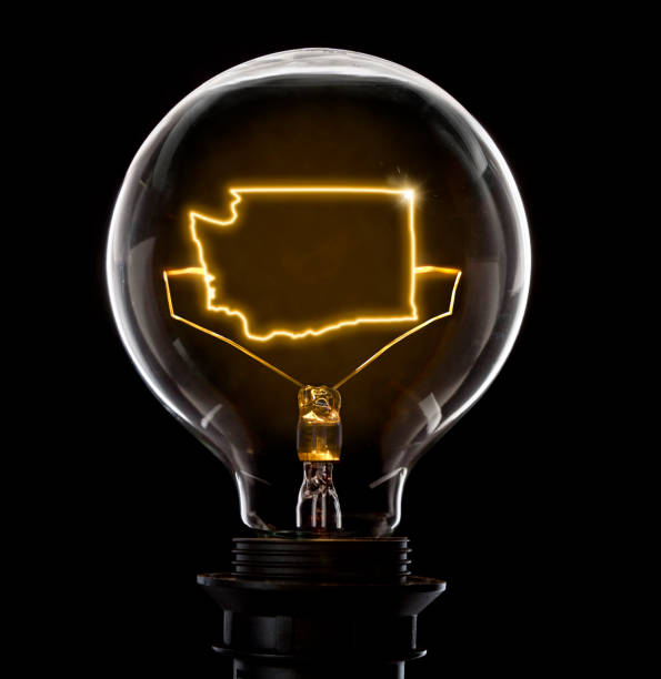 Lightbulb with a glowing wire in the shape of Washington (series) - foto stock
