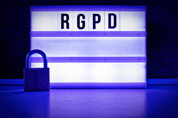 Tablero iluminado con RGPD (Reglamento General de protección de datos) en inglés GDPR (Reglamento General de protección de datos) - foto de stock