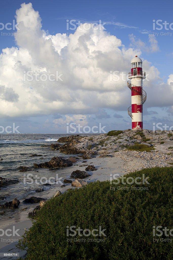 Leuchtturm und shore Lizenzfreies stock-foto