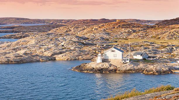 lighthouse in marstrand at sunset - bohuslän nature bildbanksfoton och bilder